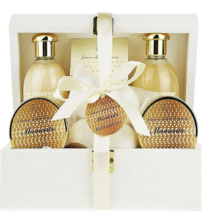 Moments Deluxe Spa Gift Basket